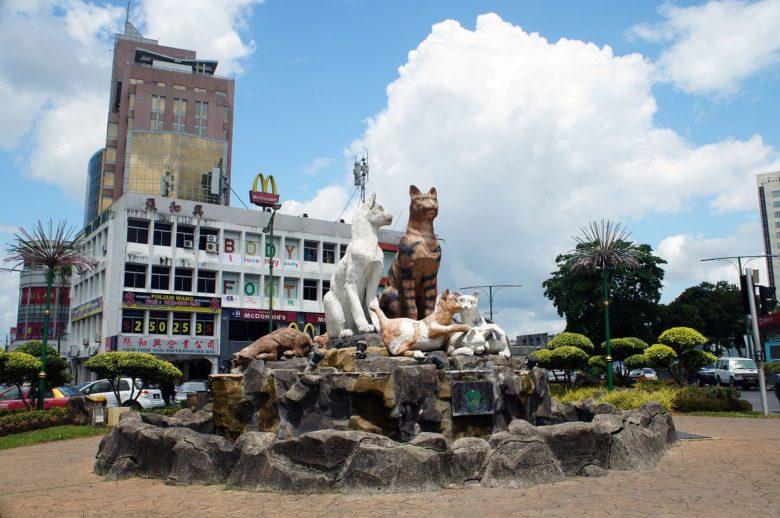 Kuching - die Katzenstadt