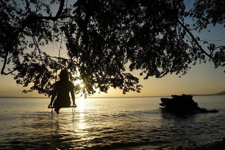Sonnenuntergang bei Rosa's Lake Cabins