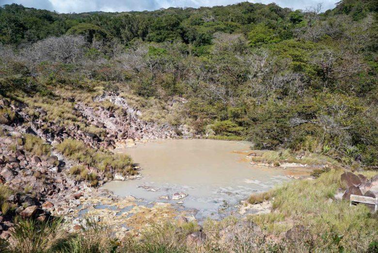Blubbernde Schlammtöpfe im Rincon de la Vieja NP