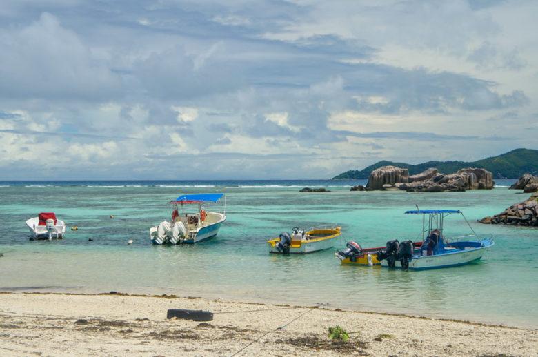 Seychellen Inselhopping Hafen La Digue