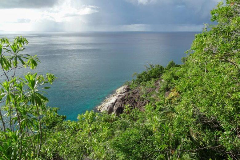 Wanderungen auf Mahé mit Meerblick