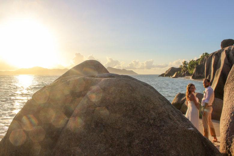 Hochzeit Seychellen_Brautpaar Anse Source d'Argent