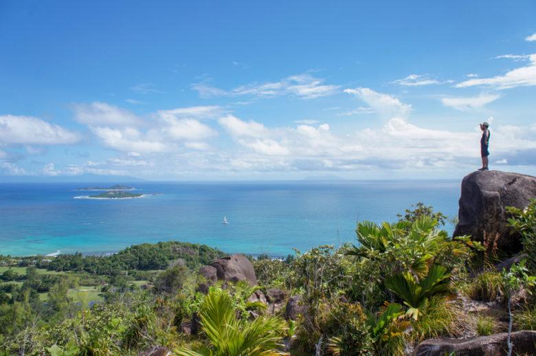 Ausblick Wanderung Anse Lazio zu Anse Georgette