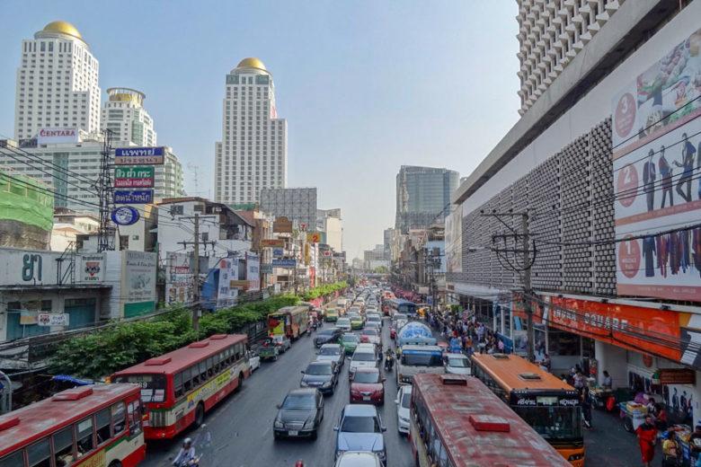 Bangkok Ratchathewi Strassenverkehr