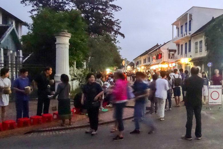Almosengang in Luang Prabang 2017