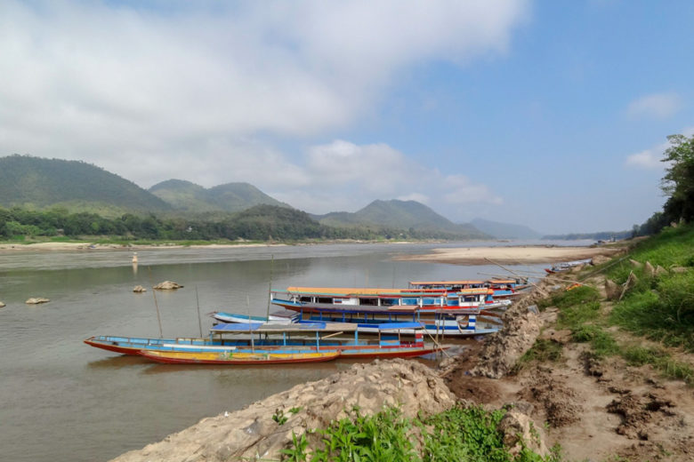 Boote auf dem Mekong bei Luang Prabang
