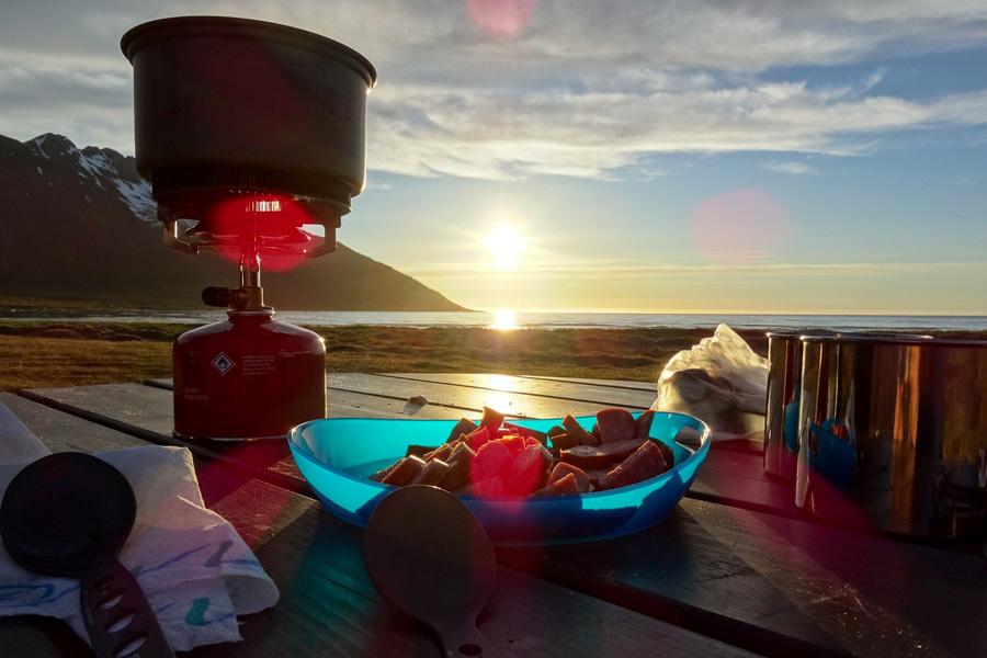 Outdoor Küche Camping Rezepte : Einfache und schnelle outdoor rezepte milchblau
