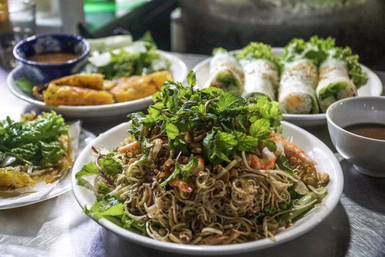 Vietnam Food Guide - Bananenblütensalat