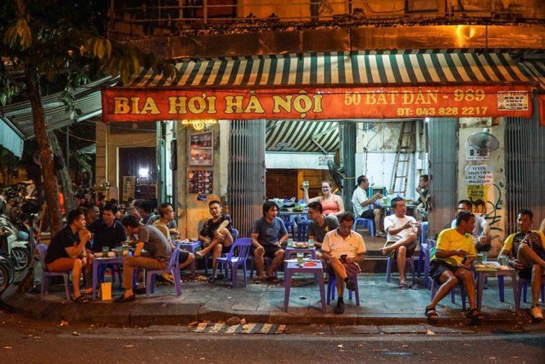 Bia Hoi - Bar in Hanoi